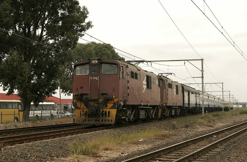 Doubleheaded class E18s make short work of this passenger train as it accelerates eastbound.