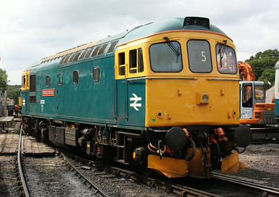 33202 'Dennis G Robinson' Tunbridge Wells West - the locomotive will have worked through here on numerous occasions in its BR career when the line was open (closed 1985) as the High Brooms tanks was a regular 33/2 duty, 2/8/14