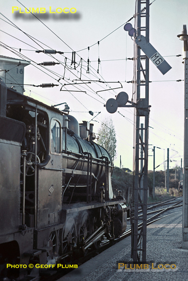 2-8-0 No. 712 sits in the station at Contumil, Porto, on Sunday 8th November 1970. It proudly carries its North British Locomotive Co. diamond shaped worksplate on the cabside, No. 22708 of 1921. Slide No. 5913.