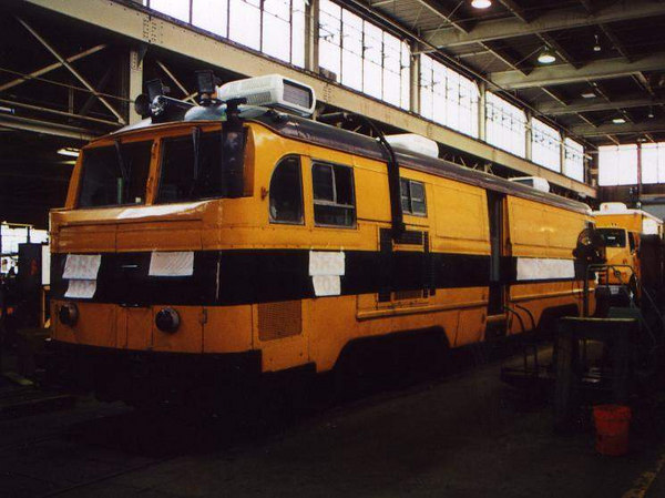 Ex New Haven Railbus gets a paint job in Danbury, CT.  This is the main shop for Sperry Rail Service.