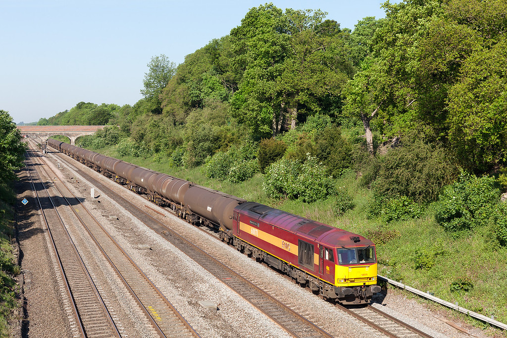 On a beautiful sunday morning at Ruscombe, 60071 'Ribblehead Viaduct' heads westwards with the Su 6A70 08.32 Didcot TC-Colnbrook Elf Oil sidings loaded oil train. 27.5.12