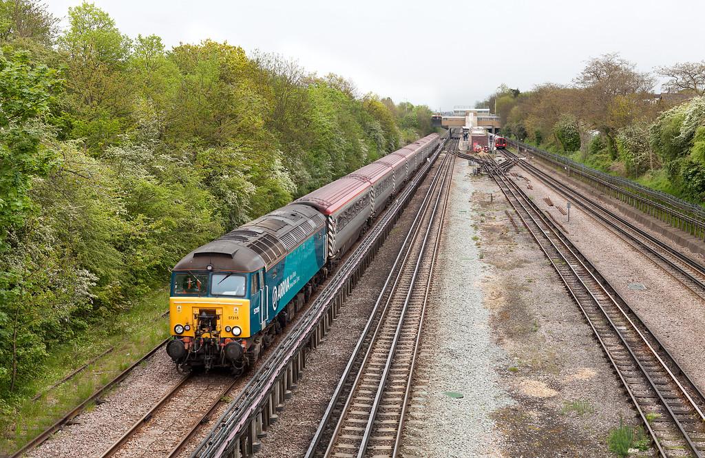 57315 hauls the 'pretendolino' stock through Northolt forming the diverted 1Z05 11.11 London Euston-Nuneaton Virgin service.57311 Dor. 6.5.12