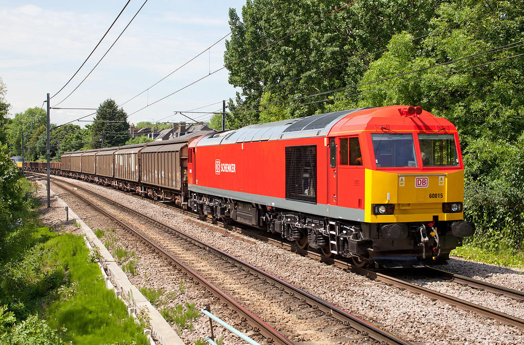 A beautifully clean 60015 approaches Brondesbury pulling 'Javelin' unit 395019 and huge assortment of barrier wagons with the 08.47 Dollands Moor Sdgs-York NRM