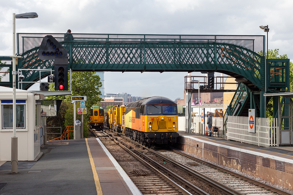 Colas's 56087 enters Wandsworth Road station with the 6Z56 15.45 Willesden Euro Terminal-Hoo Junction junction departmental working.9.5.13