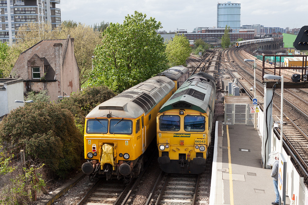 Bust times at Wandsworth Road, 66543 heading the 4O24 11.00 Bristol Freightliner terminal-Thamesport passes 73213 & 57310 heading from Tonbridge Yard to Eastleigh.9.5.13