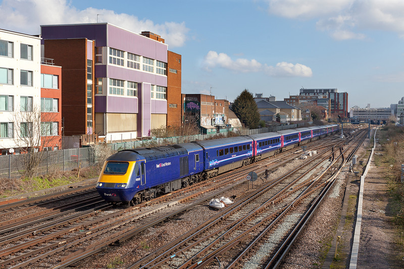 In patchy sunshine 43032 leads the diverted 1V31 09.07 London Waterloo-Penzance First Great Western working through Wimbledon. 43177 makes up the rear of this train which had arrived earlier at London Waterloo from St Philips Marsh HST depot. 29.3.13