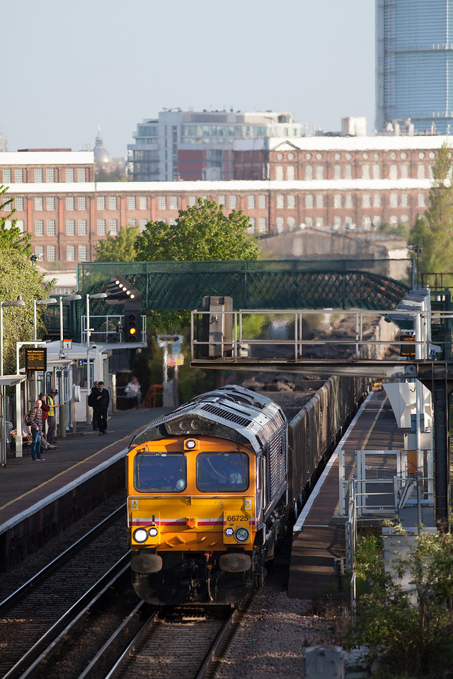 At 06.59 AM 66725 heads through Wandsworth Road with an early morning cross rail spoil train from Westbourne Park to Northfleet.9.5.13