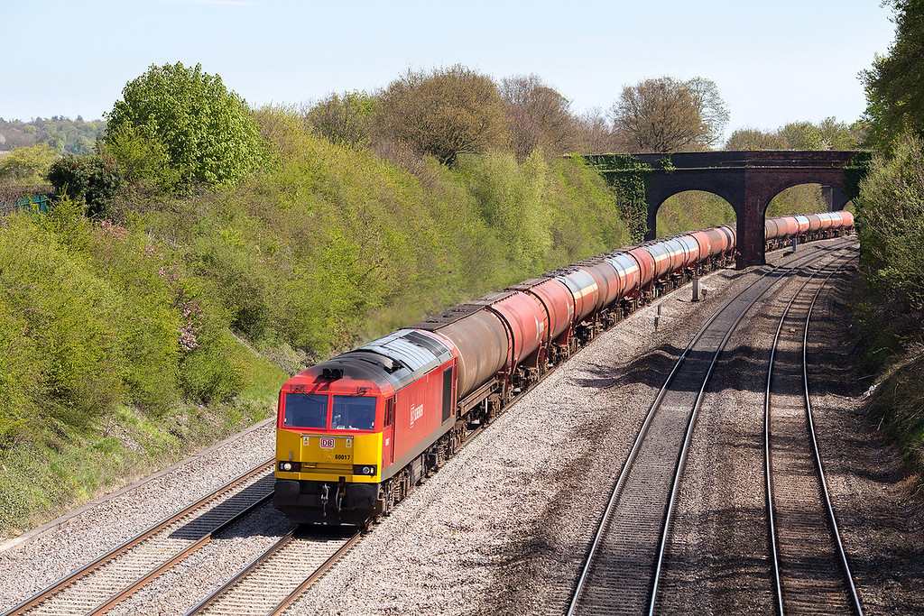 In beautiful spring sunshine 60017 approaches Westbury lane, Pangbourne with the 6B33 13.35 Theale Murco-Robeston empty oil train. 2.5.13
