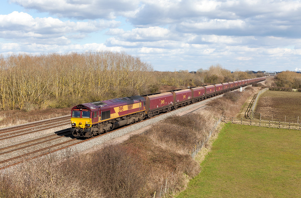 Could this be the final weeks of the Avonmouth-Didcot Power station coal circuit working? 66169 rumbles along the relief line close to Denchworth with the TFO 4D10 13.22 Didcot Power station-Avonmouth.14.3.13