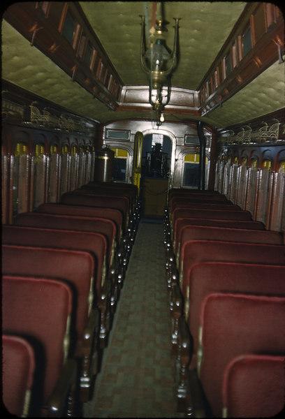 1953-B&O-1860-coach-interio