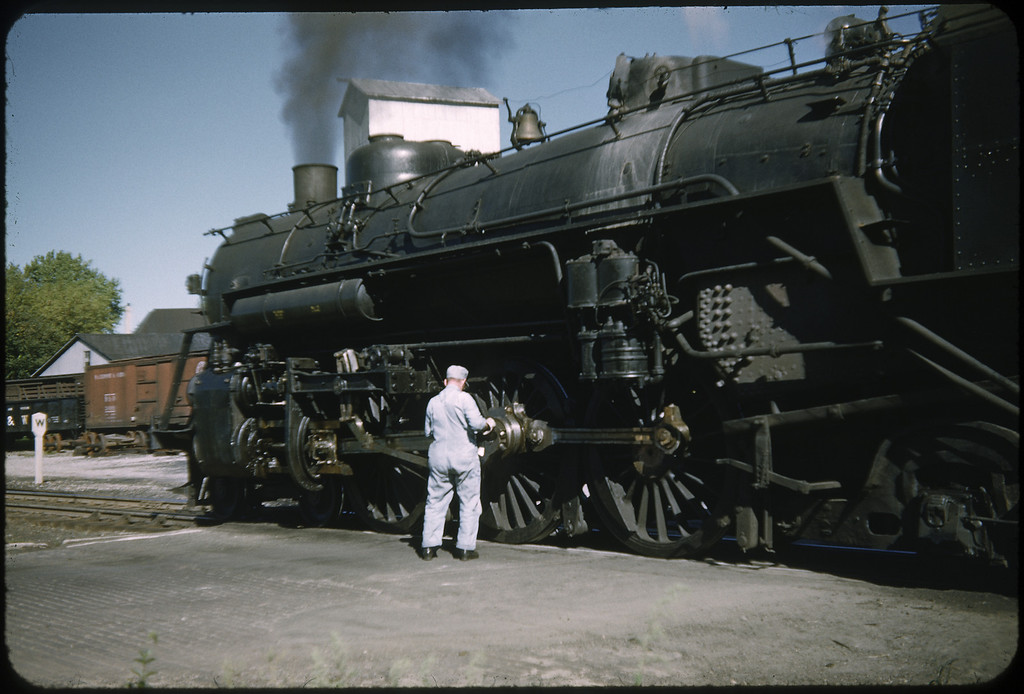 1952 photo<br /> Baltimore & Ohio Railroad<br /> Washington Courthouse, OH<br /> Class P5