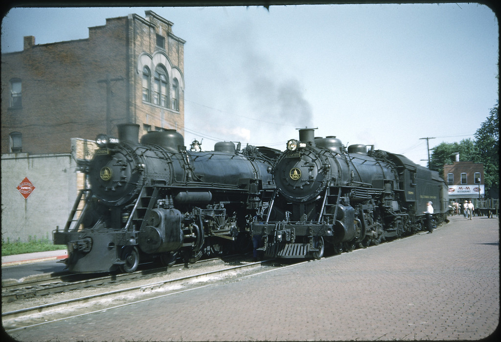 1953 photo<br /> Baltimore & Ohio Railroad<br /> #5049 (L) Class P1A & #5048 (R) Class P-1D