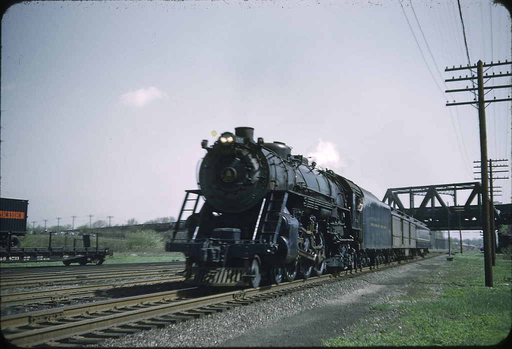 1955 photo<br /> Baltimore & Ohio Railroad<br /> Class P-7 4-6-2 Last week for train
