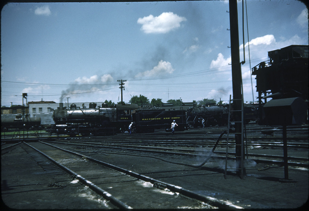1953 photo<br /> Baltimore & Ohio Railroad<br /> Class L-1 #1048 Baldwin built 1903