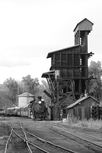 Engine #489 passes the old coaling tower in the Chama yard.