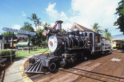 Myrtle gets turned at the Lahaina station as engine #5 sits in the background.