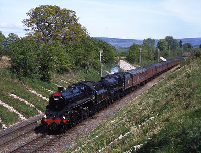 A Kings Cross-Carlisle charter passes Duncowfold hauled by 76079 & 45407 14/5/15.
