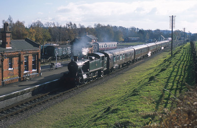 GWR 2-6-2T 4141 pulls into Quorn station on the Great Central Railway. 16/11/03