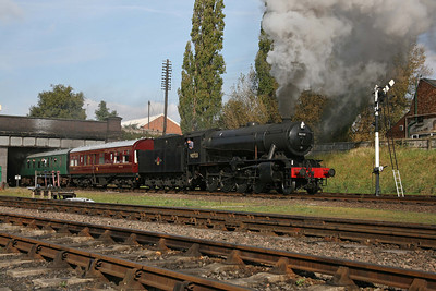 At one time, the WD 2-8-0 was one of the most common steam engines in the country. Now this is the only one of its type left and even 90733 is not actually one of the original BR fleet. It is shown leaving Loughborough Central during a gala. 10/10/09