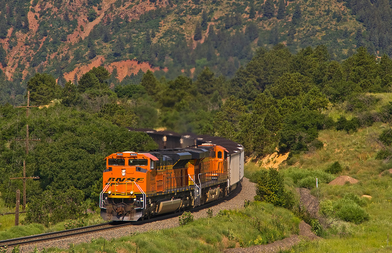 BNSF 9223 crosses the summit of the Palmer Divide enroute to Texas generating station.