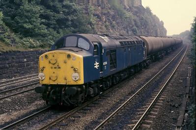 Class 40 No 40104 in Horbury Cutting
