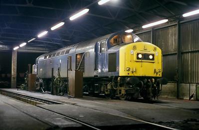 Class 40 No 40150 in Healey Mills