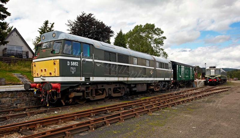 Diesel D5862 at Strathspey Railway - Boat of Garten - 8 August 2012