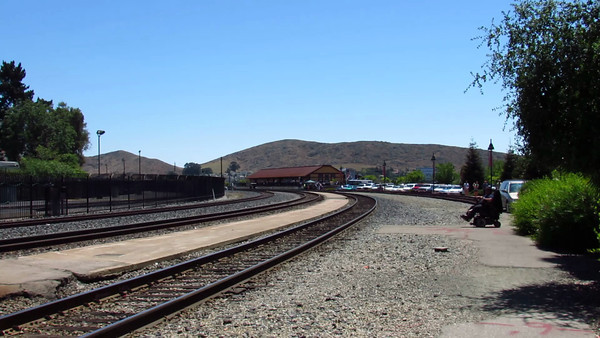 Surfliner Departs SLO On Train Day Vid