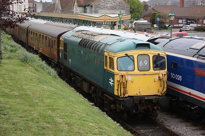 33111 Swanage with the stock for the 1346 to Norden 8/5/14