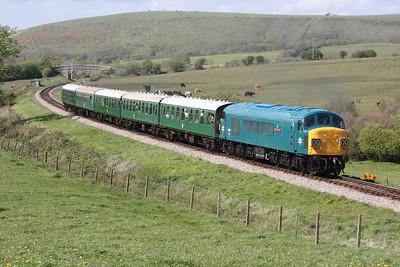 45060 crosses Corfe Common with 1515 Norden - Swanage 9/5/15