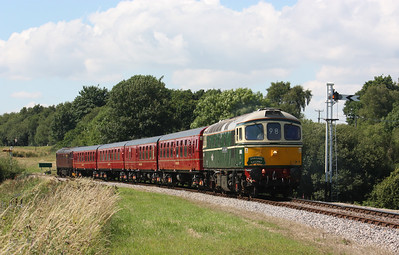 33012 approaches Corfe Castle with 1515 Wareham - Swanage 8/7/17