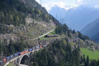 2 freight trains cross on Wassen viaduct 30/4/15.