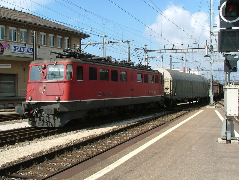 Veteran Ae6/6 on a freight at Solothurn