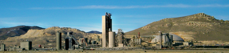 Lehigh Southwest cement plant outside Tehachapi, viewed from I-58.