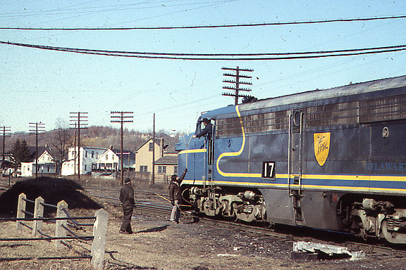 PA Number 17 with Train Order Hoop
