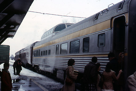 Dome Car with 2 Private Cars Trailing