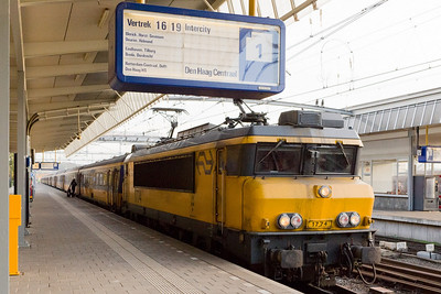 Venlo: train to Den Haag Centraal (The Hague Central Station)