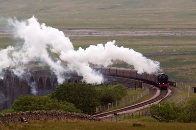 46115 comes off Batty Moss viaduct.