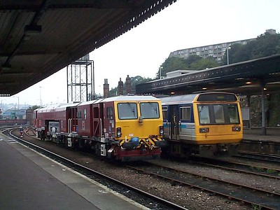 DR73110, Sheffield, 10th August 2002