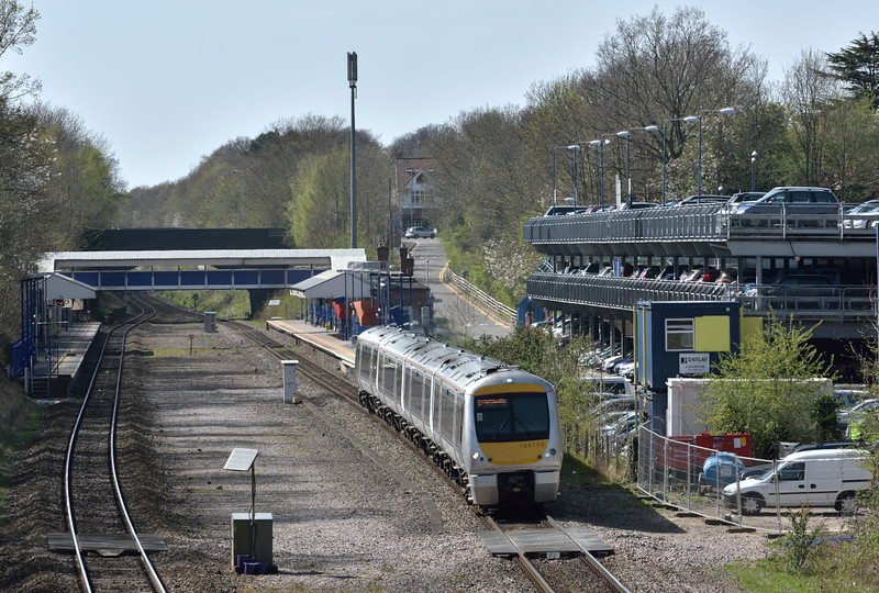 Clubman 168106 passing Beaconsfield with 1H54 13.58 from Bicester North to Marylebone<br /> <br /> 15 April 2015