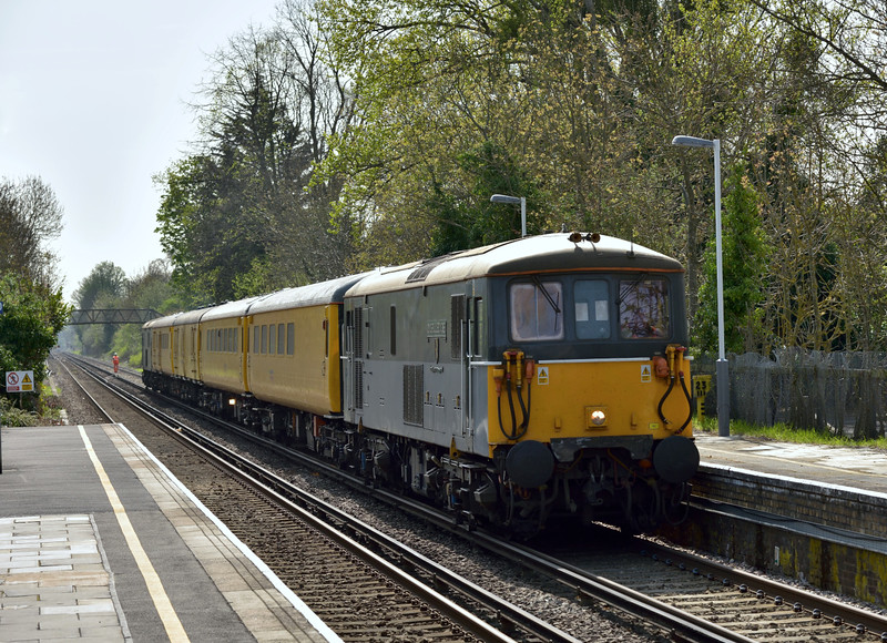 73128 + 9481 + 6261 + 999550 + 1256 + 73201 approach Datchet with test train 1Q11 from Eastleigh Works.<br /> After reversing at Windsor 73201 will lead as it continues to Hither Green. <br /> <br /> 16 April 2015