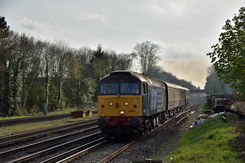 47813 returns from its day out to Eastleigh as 5Z46 16:27 to Stewarts Lane T&R.S.M.D having deposited one of the Pullmans coaches at the works. Seen here passing West Byfleet <br /> <br /> 13 April 2015