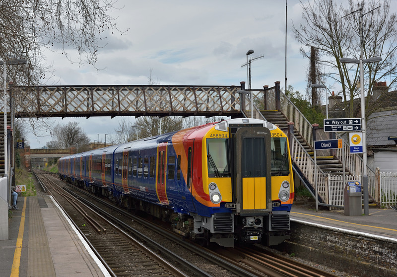 458504 glides to a halt at Chiswick with 2S32  the 11.33 service from Weybridge to Waterloo<br /> <br /> 1 April 2015