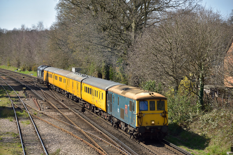 73201 ' Broadlands ' leads test train 1Q40 back into Woking with DRS Class 37 No. 37688 bringing up the rear.<br /> <br /> 7 April 2015