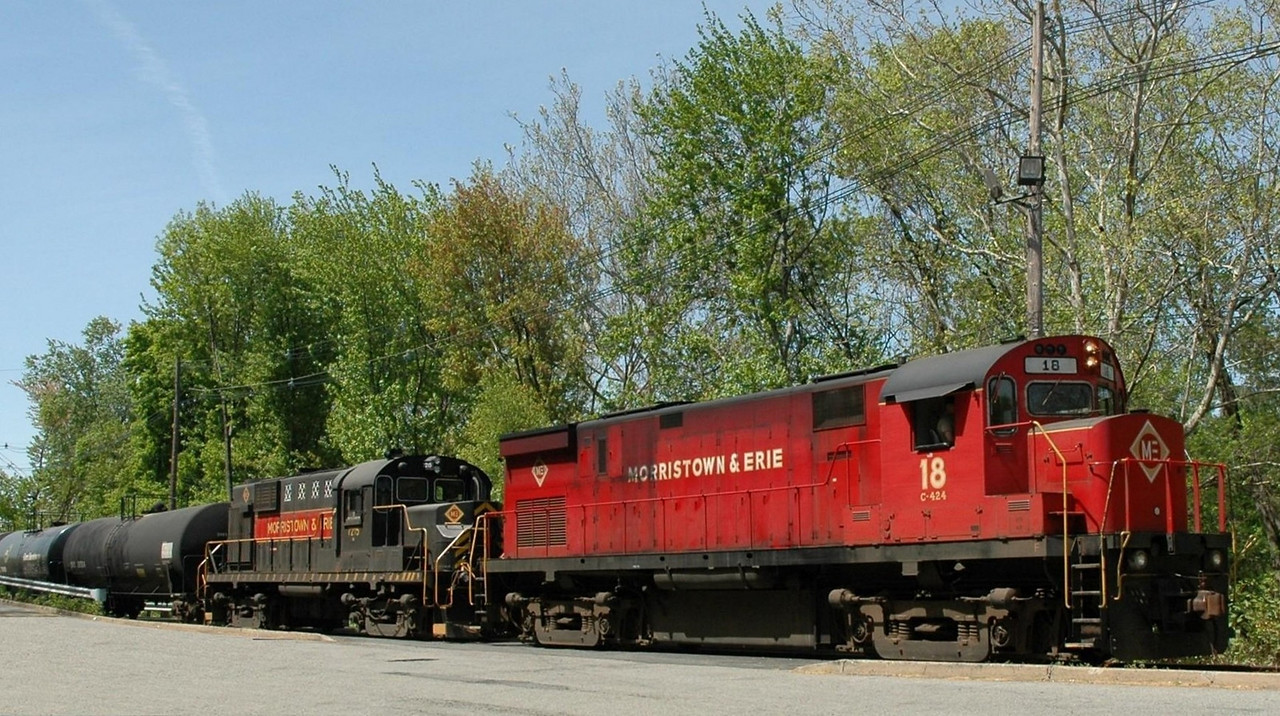 Morristown & Erie  Alco C424 18 and Alco RS-11  at  Abbott av Crossing  in Morristown, N.J.