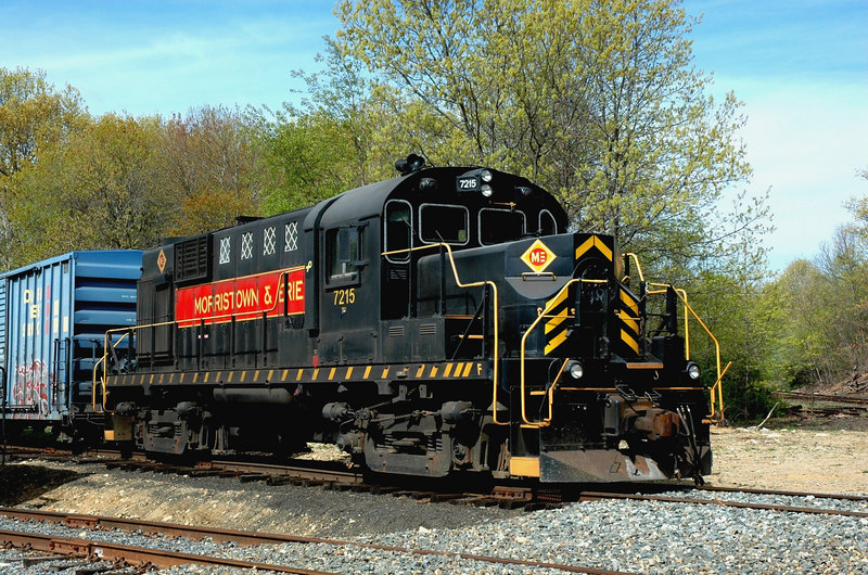 Morristown & Erie  RS 11 7215  ex-Erie Mining  sits  at  Lake Jct . in Wharton, N.J.