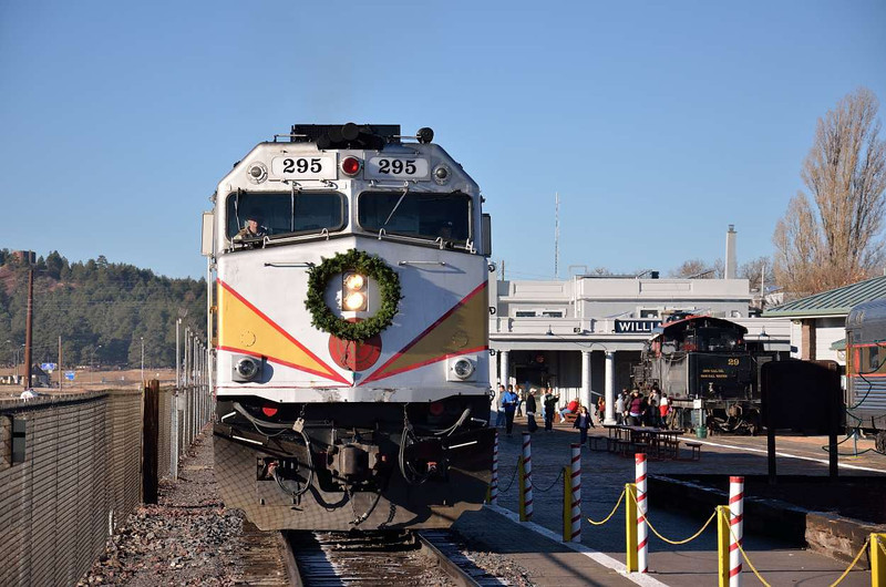 Grand Canyon EMD F40PH loco No.295 drops back into Williams depot with daily train to Grand Canyon decorated for Christmas<br /> <br /> 22  November 2011