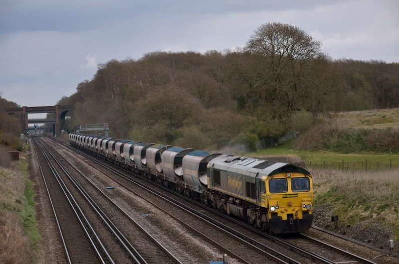 66560 rolls down the SWML near Potbridge with 6O49 10.51 Neasden Sdgs - Wool Sdgs sand empties<br /> <br /> 3 April 2012