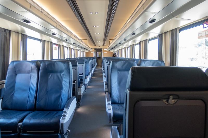 Interior coach 652