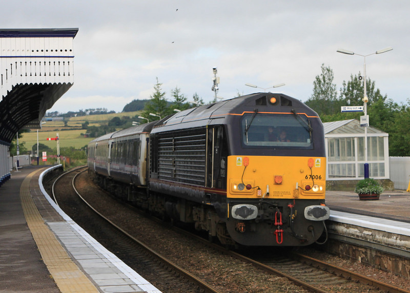 67006 stops at Stonehaven with northbound sleeper on 6th August 2011